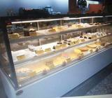 cake and pastries chiller showcase
