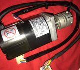 SGML-A5BF 12 W50 100V  0.9Ar/min 3000 AC SERVO Motor